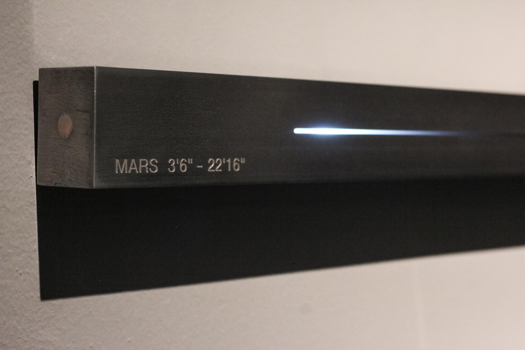 L'Étalon lumière de Félicie d'Estienne d'Orves exposé à la Galerie Nery Marino