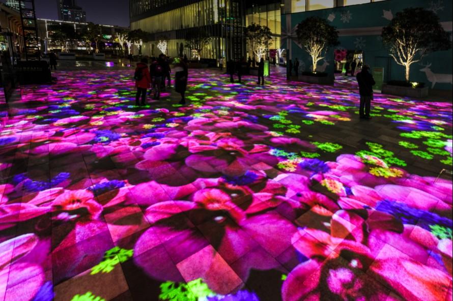 Au Jing An Kerry Centre de Shanghai, trois installations de Miguel Chevalier annoncent le printemps