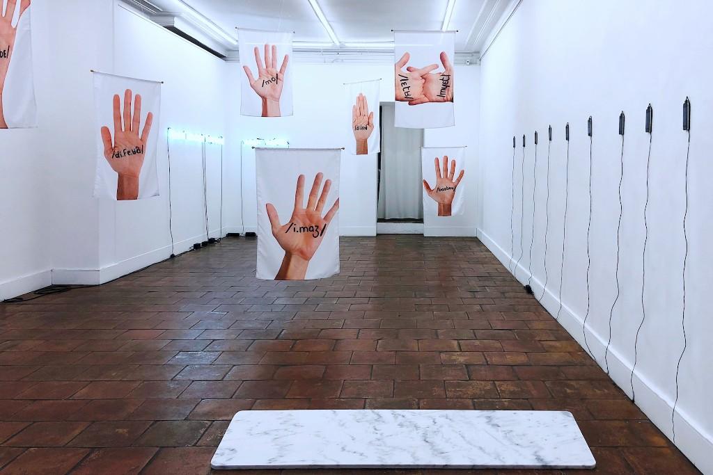 Fonctions temporelles et kinesthésiques du langage avec Esmeralda Kosmatopoulos à la Galerie Mansart à Paris