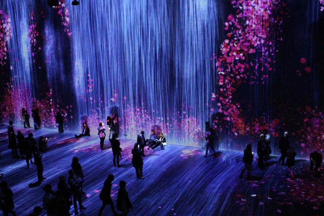 """""""teamLab : Au-delà des limites"""", dreamlike, poetic and immersive landscapes at the Grande Halle de la Villette in Paris"""