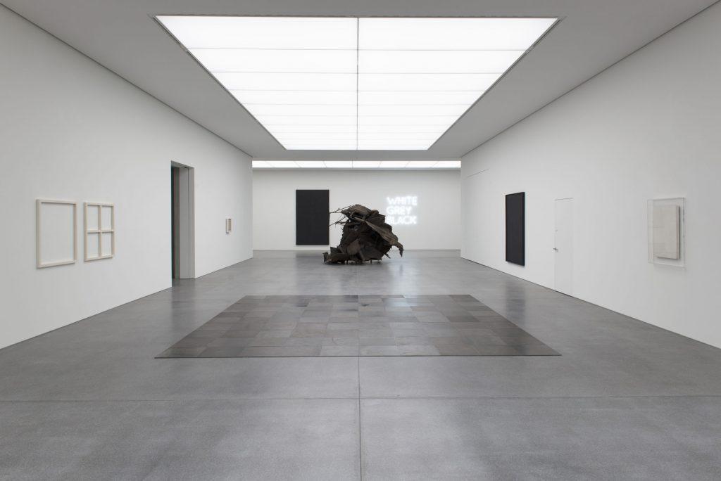 Saalansicht-1_Ausstellung_IMMER-ANDERS,-IMMER-GLEICH