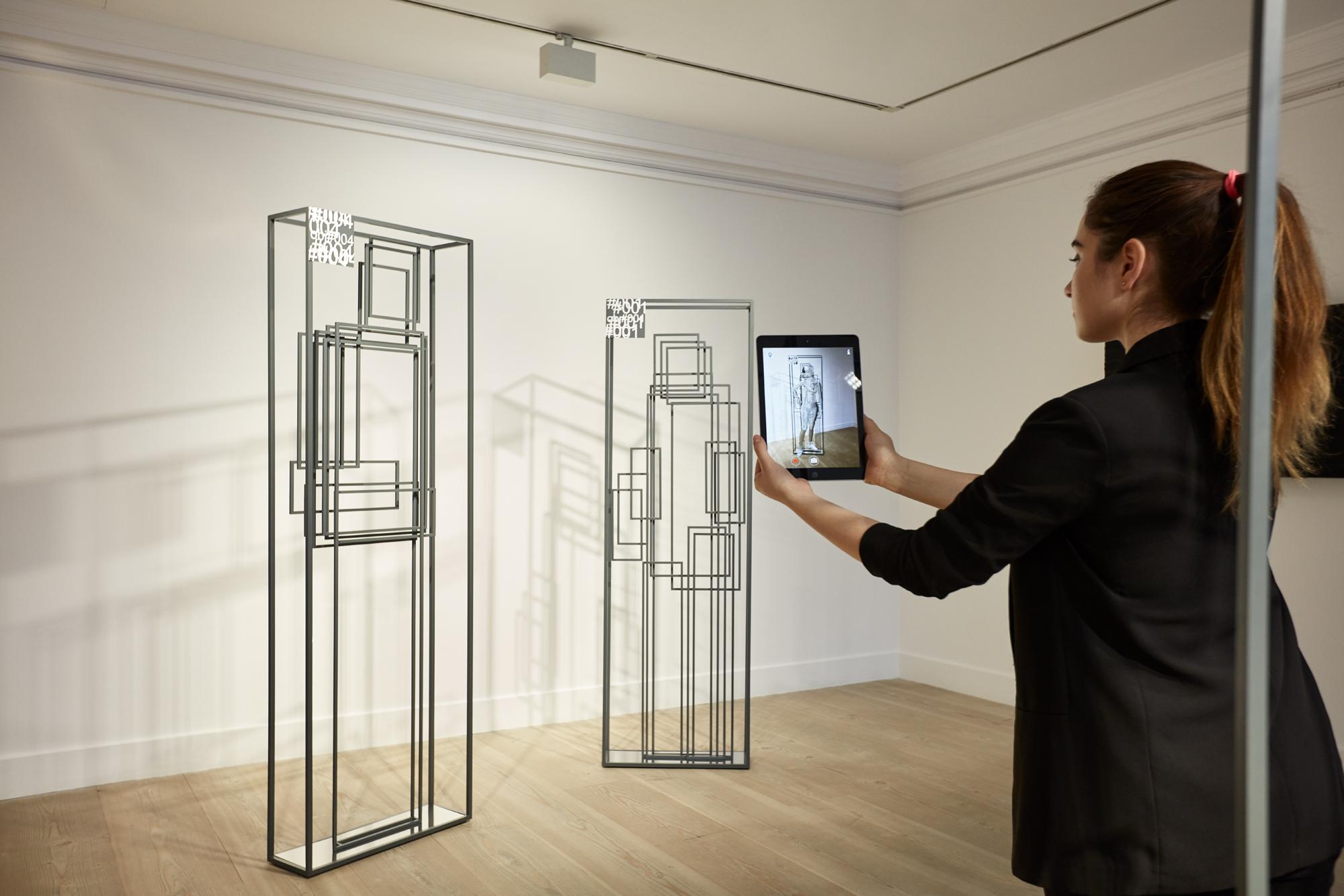Dans les yeux de la machine, l'exposition Nature of Non-Existence du duo Recycle Group, à la Gazelli Art House, Londres